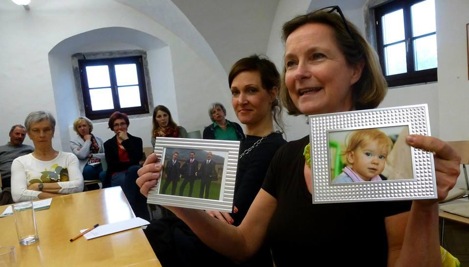 Die Söhne und das Enkerl: Bettina Vollath zeigt, was für sie mit Heimat jedenfalls verbunden ist.